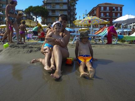 am Strand in Marina di Andora -- am Strand in Marina di Andora an der ligurischen Küste im Mittelmeer. Die Gemeinde liegt im Bezirk Savona in Italien.