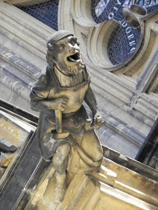 Figur-am-St Veits-Dom-in-Prag