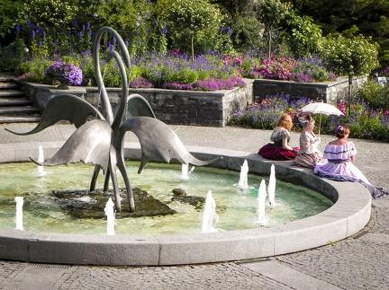 Schwanen Brunnen -- Insel Mainau - Schwanen Brunnen auf Insel Mainau in Baden Würtemberg