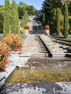 italienische Blumen Wassertreppe -- Insel Mainau - italienische Blumen Wassertreppe auf Insel Mainau