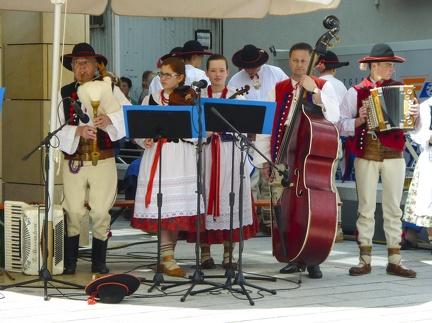polnische Tanzgruppe beim Landesfest 2015 -- Sigmaringen - polnischer Tanz beim Landesfest in Sigmaringen in Baden Würtemberg
